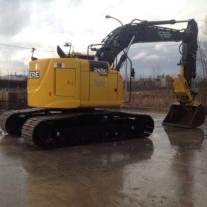 riverside-equipment-John Deere 245G